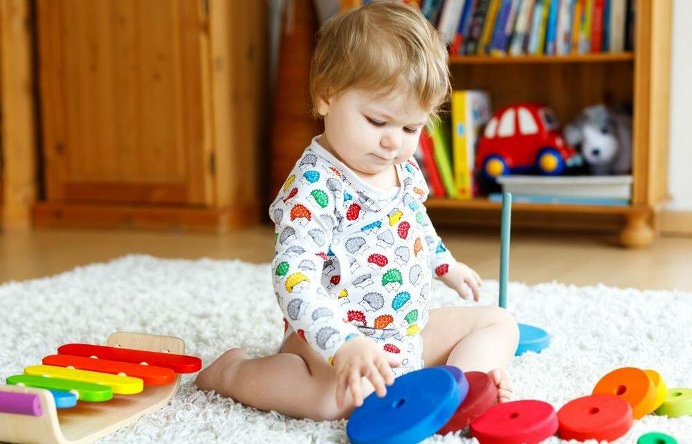 Развивающие игры для детей 1 года (лучшие для годовалого ребенка)