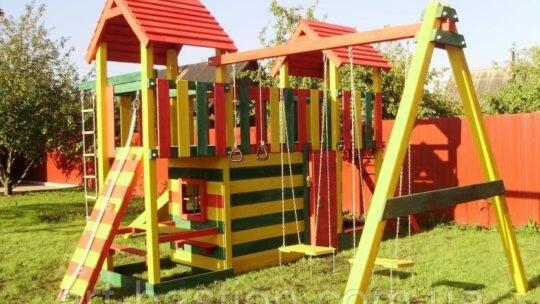 Детская площадка в саду, купить готовую или построить самостоятельно?